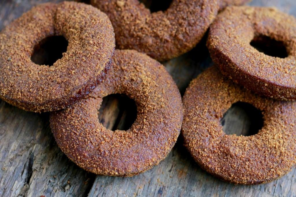 grain free donuts, pumpkin, paleo