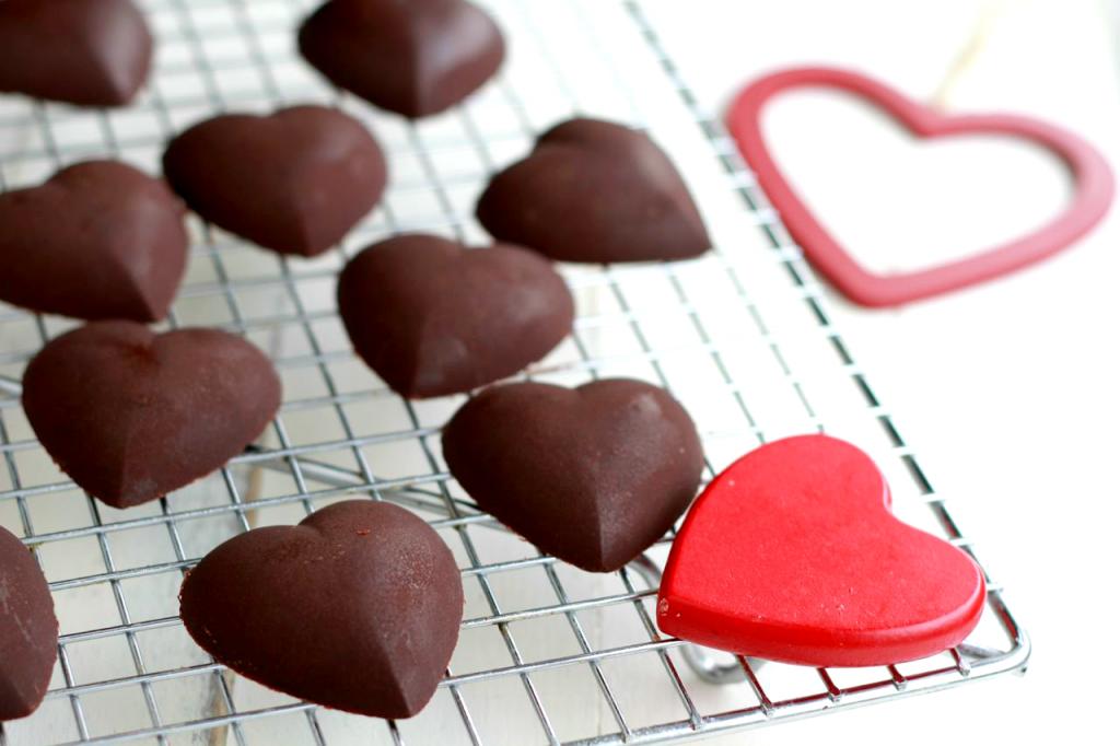 Homemade Dark Chocolates ~~ savorylotus