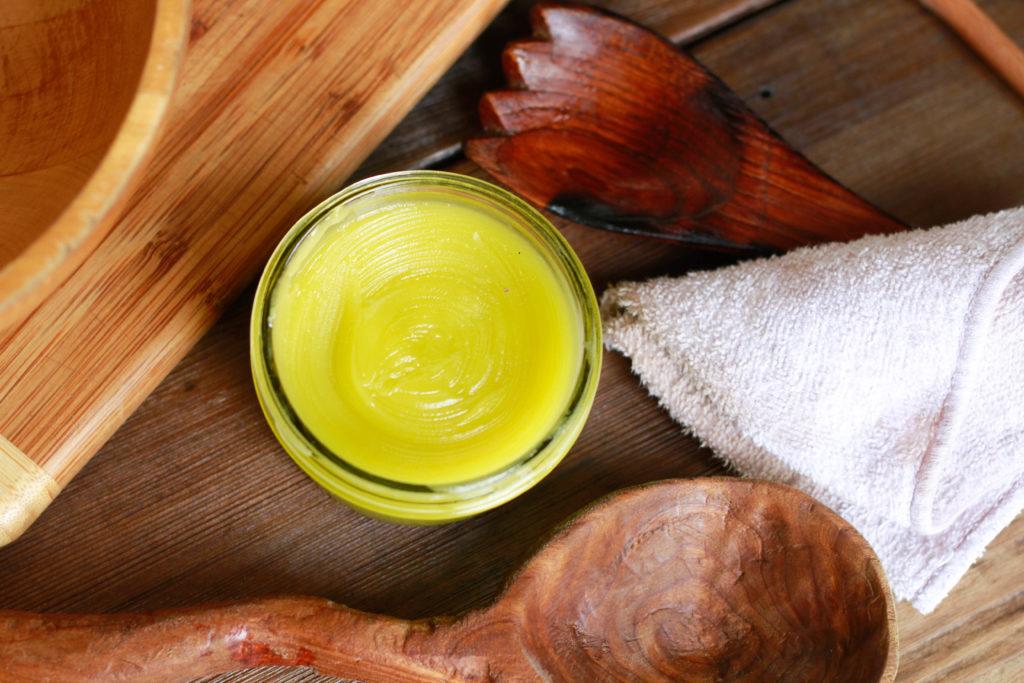 non-toxic wood polish, DIY, beeswax