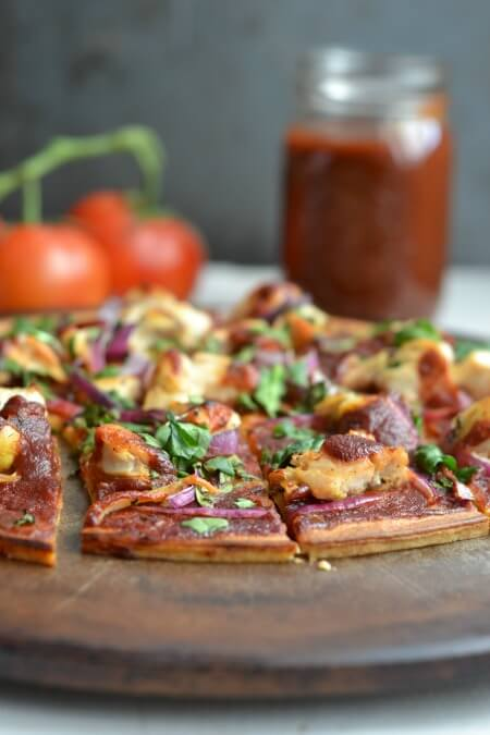 Paleo BBQ Chicken Flatbread \\ www.savorylotus.com