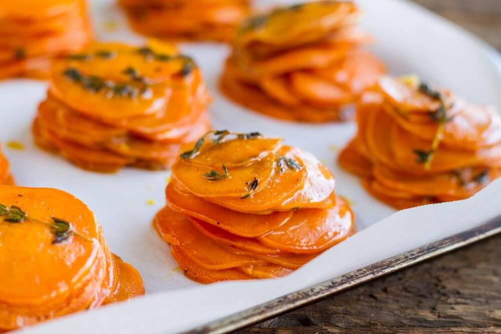 Mini Sweet Potato Pomme Anna //// www.savorylotus.com