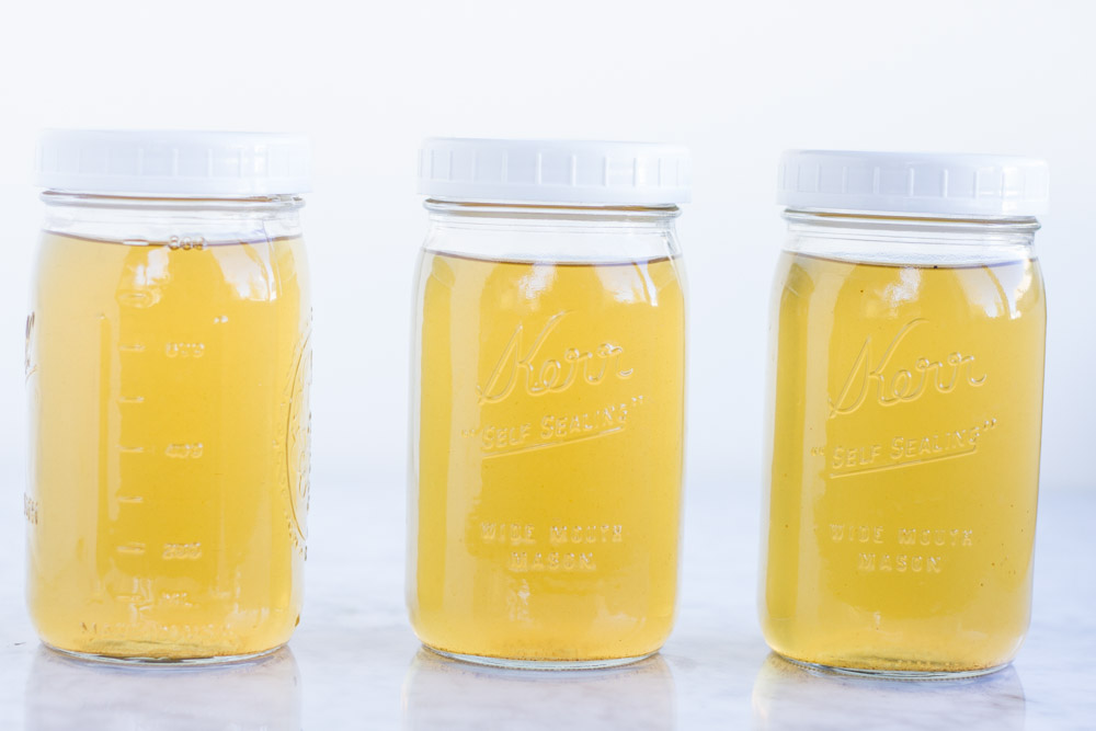 How to Make Vegetable Broth from Kitchen Scrapes \\\ www.savorylotus.com