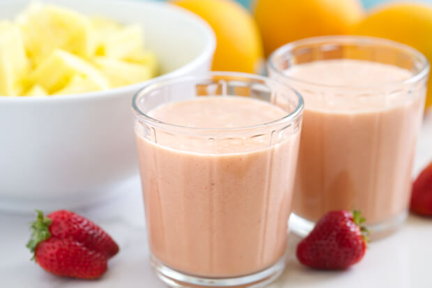 Tropical-Strawberry-Bliss-Smoothie-GI-365-1-1 (1)