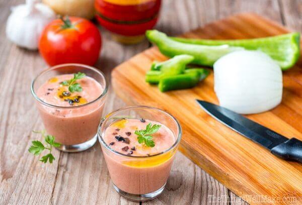easy-gazpacho-andaluz-2WMeng-752x512 (1)