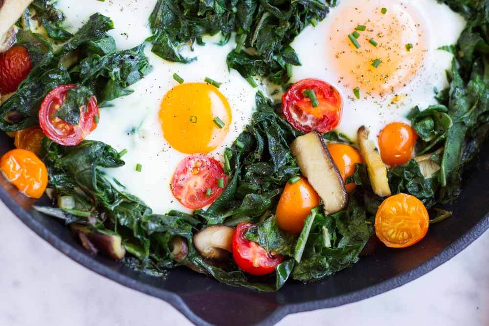 Easy Baked Eggs ~~~ www.savorylotus.com