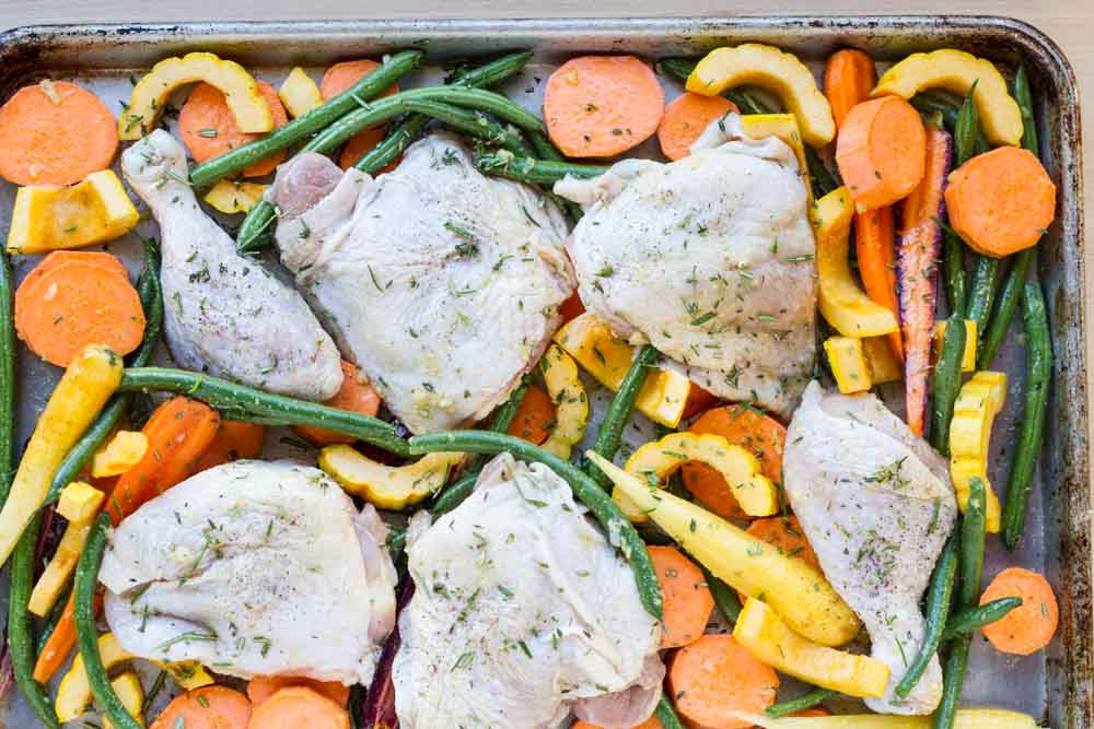 Easy Sheet Pan Chicken with Roasted Vegetables // www.savorylotus.com