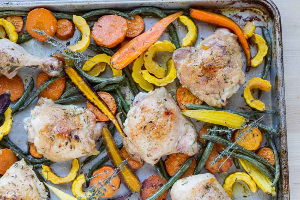 Easy Sheet Pan Chicken with Roasted Vegetables /// www.savorylotus.com
