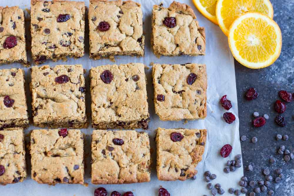Orange Cranberry Chocolate Chip Cookie Bars (gluten free) \ www.savorylotus.com