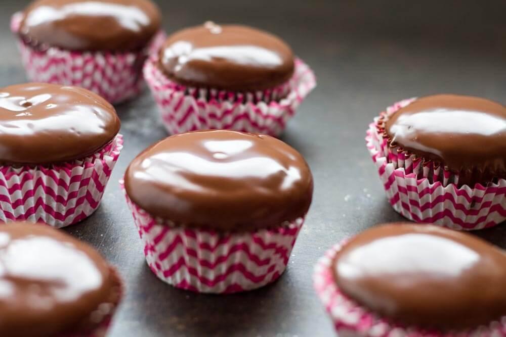 The Best Chocolate Cupcake Recipe (gluten free and grain free) \ www.savorylotus.com