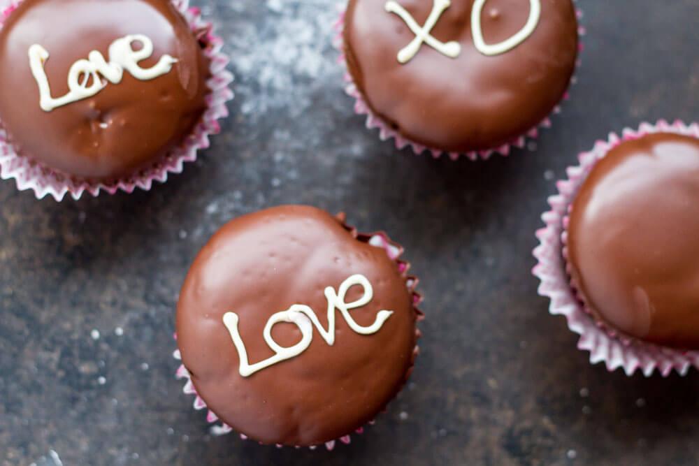 The Best Chocolate Cupcake Recipe (gluten free and grain free) -- www.savorylotus.com