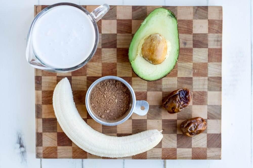Chocolate Avocado Date Smoothie (dairy free)  www.savorylotus.com