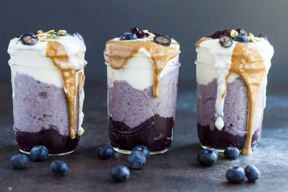 Blueberry Breakfast Parfaits --- www.savorylotus.com
