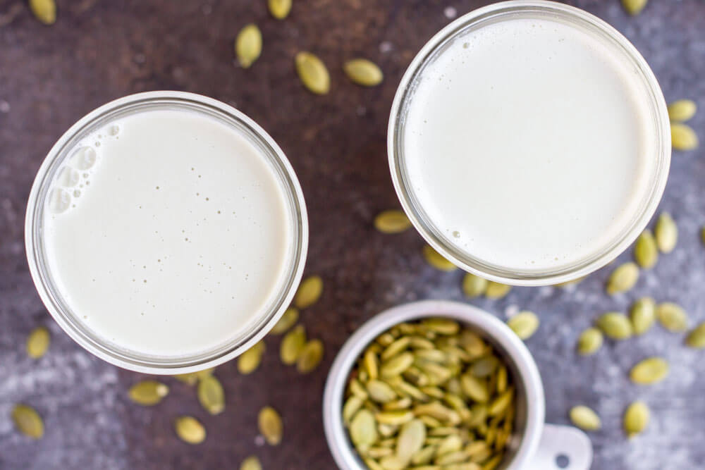 How to Make Pumpkin Seed Milk (dairy free) --- www.savorylotus.com