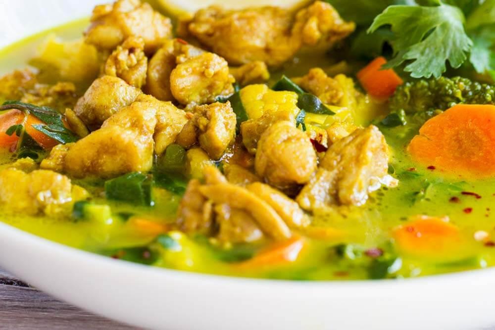30 Minute Turmeric Chicken Soup \\\\\ www.savorylotus.com