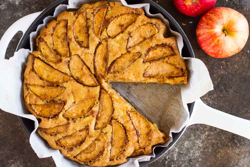 Cardamom Apple Cake (gluten free paleo) \ www.savorylotus.com