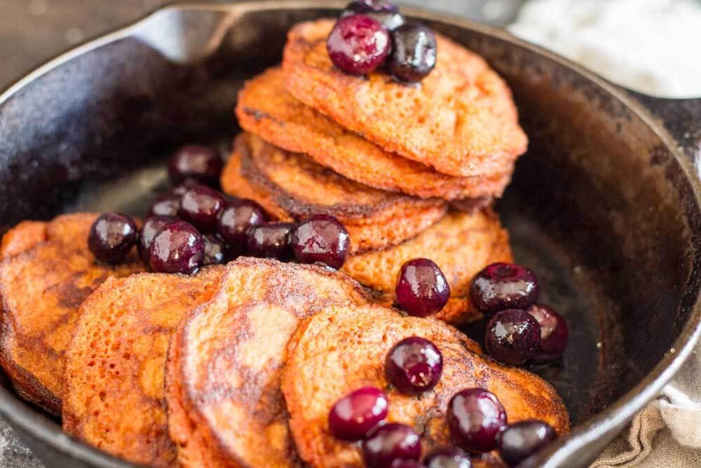 Turmeric Spice Pancakes (gluten free and nut free) \\\ www.savorylotus.com