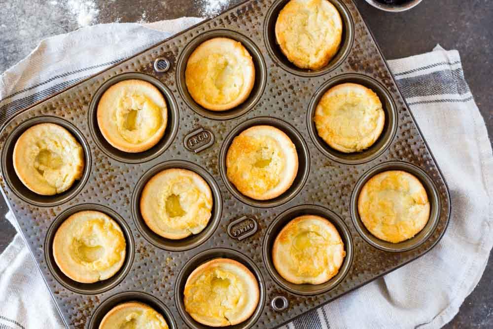 Mini Dutch Baby Pancakes (gluten free, nut free, paleo) \\\\ www.savorylotus
