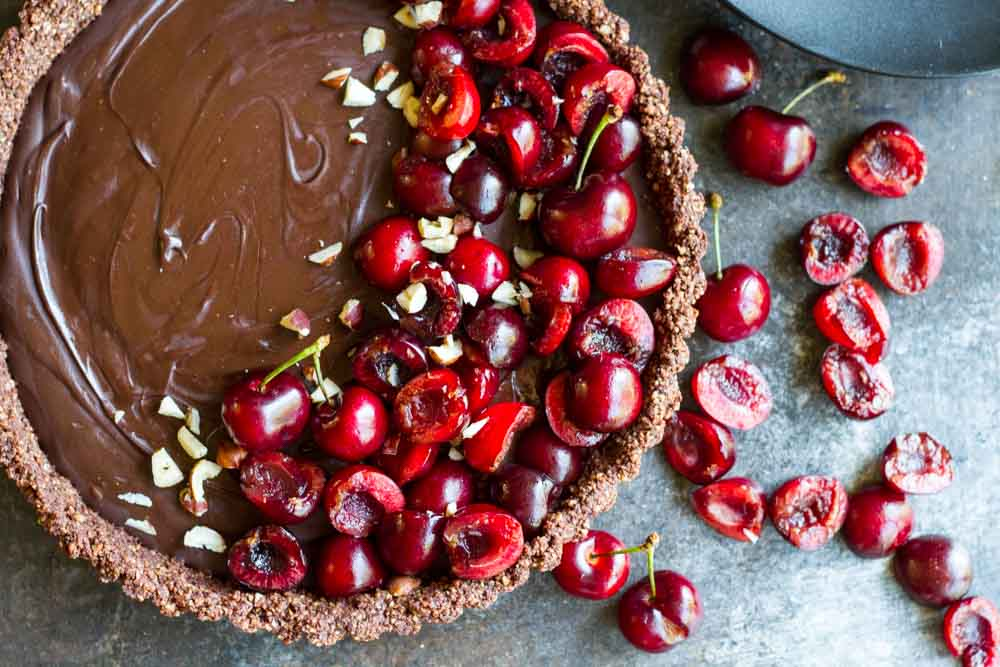 No Bake Chocolate Tart with Fresh Cherries (gluten free, paleo, vegan) ~ www.savorylotus.com