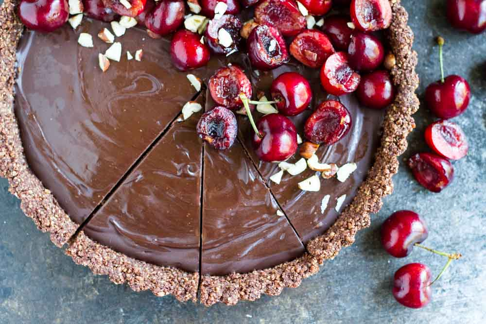 No Bake Chocolate Tart with Fresh Cherries (gluten free, paleo, vegan) ||| www.savorylotus.com