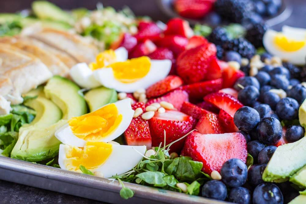 Berry Avocado Chicken Salad with Creamy Poppyseed Dressing --- www.savorylotus.com