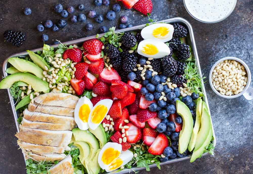 Berry Avocado Chicken Salad with Creamy Poppyseed Dressing | www.savorylotus.com
