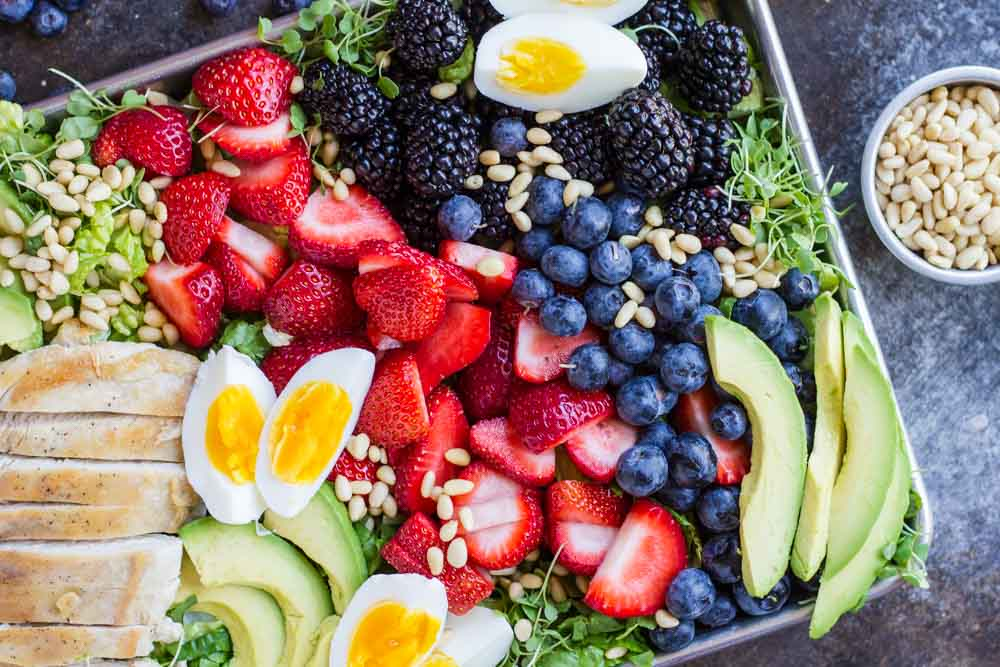 Berry Avocado Chicken Salad with Creamy Poppyseed Dressing -- www.savorylotus.com