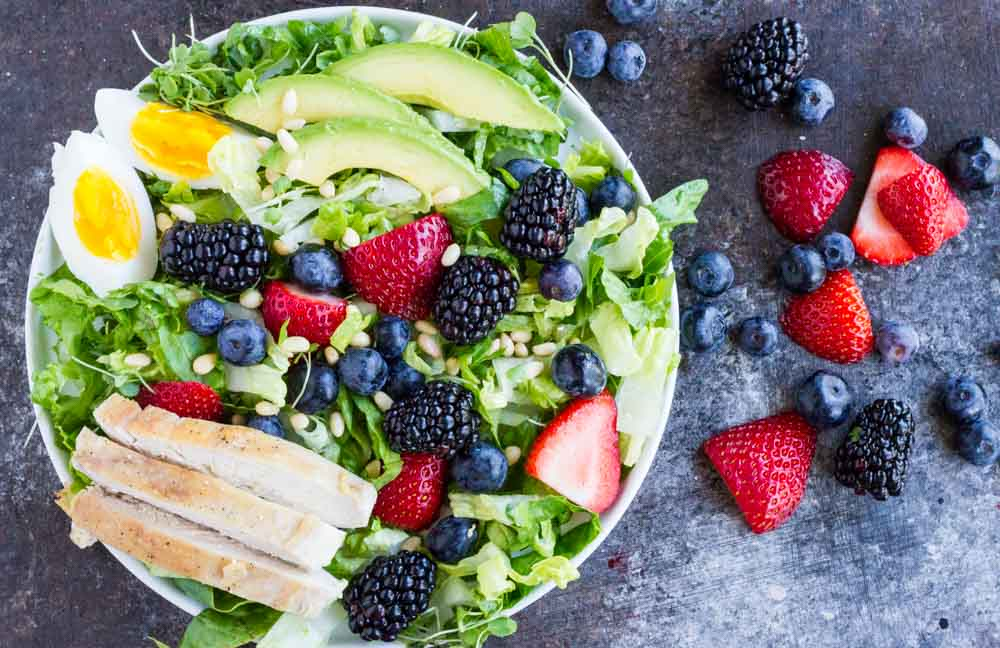 Berry Avocado Chicken Salad with Creamy Poppyseed Dressing \\\ www.savorylotus.com