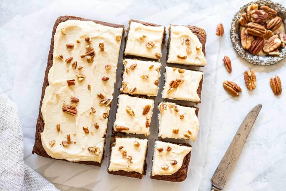 Easy Pumpkin Cake (gluten free and paleo) | www.savorylotus.com