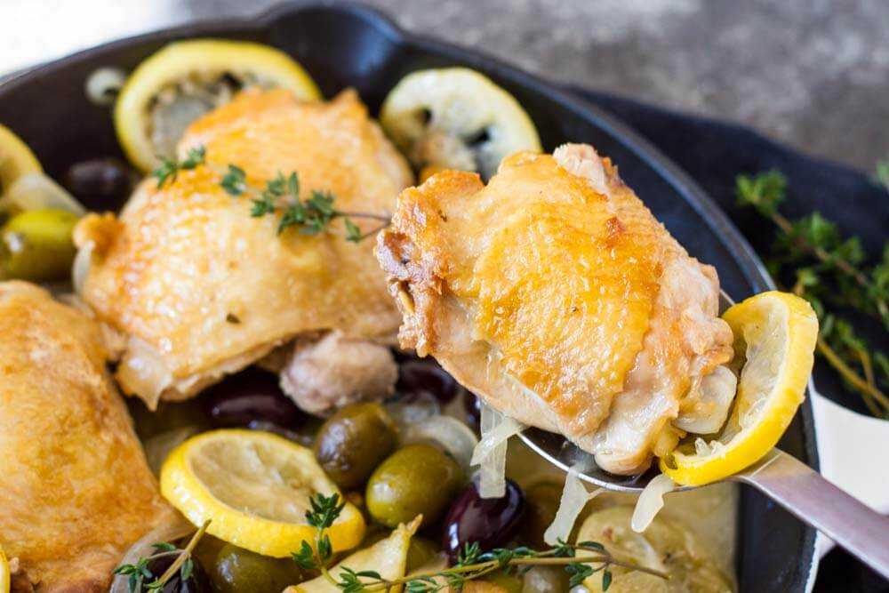 Easy Braised Chicken with Lemon and Olives - www.savorylotus.com