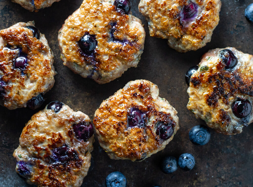Blueberry Turkey Breakfast Sausage (paleo and whole30) | www.savorylotus.com