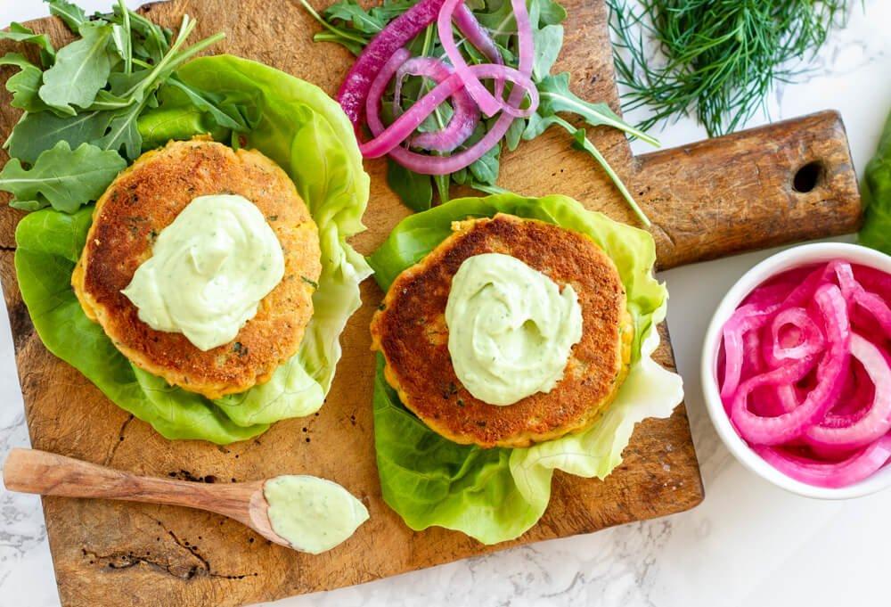 Salmon Burgers with Avocado Aioli ( gluten free and paleo) / www.savorylotus.com