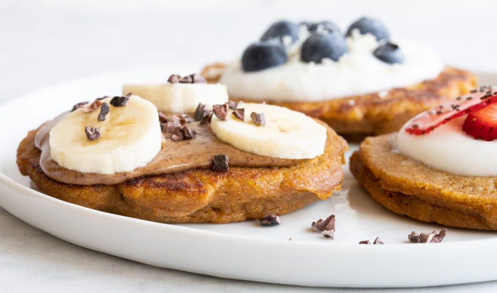 Fluffy Sweet Potato Pancakes (gluten free and paleo) \\\ www.savorylotus.com