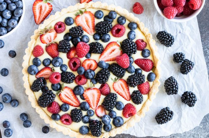 Fruit Tart with Vanilla Cream (gluten free, dairy free, paleo) | www.savorylotus.com